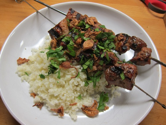 Sate babi with cauliflower rice